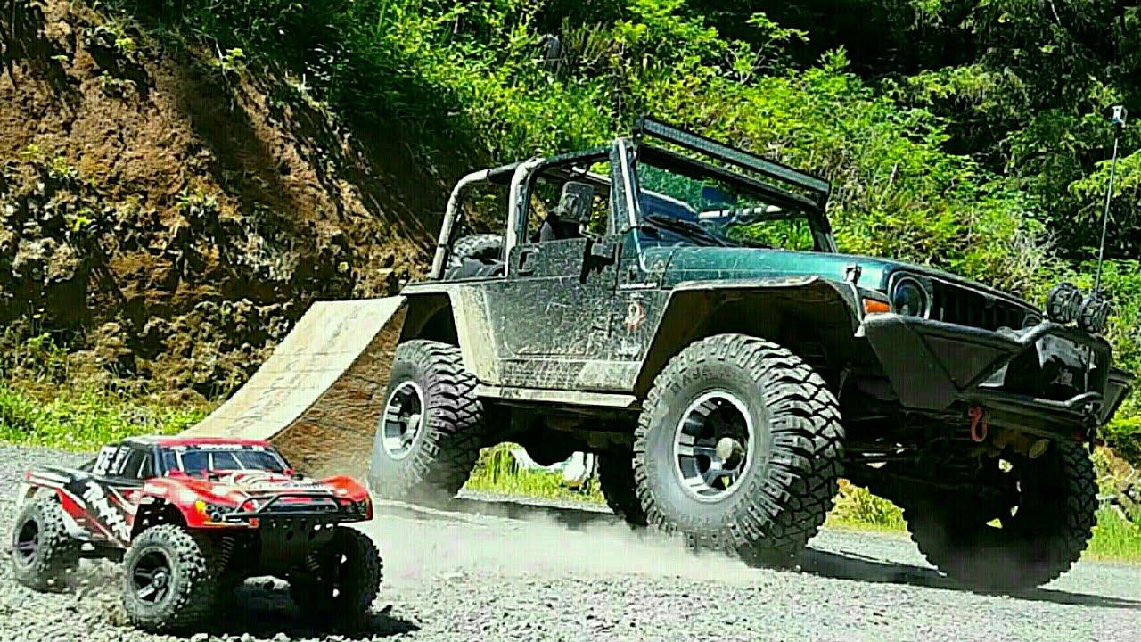 Traxxas Slash 4x4 Jumping Jeep Wrangler