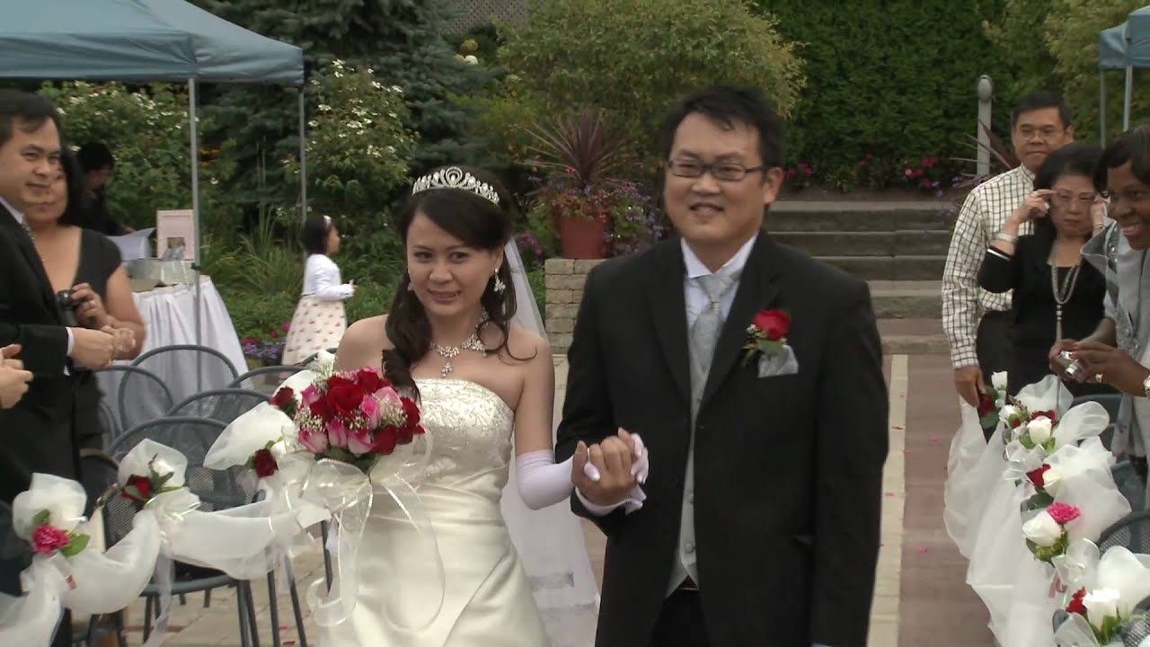 Bride Groom Walking Down The Aisle Together An Indonesia Wedding At Mandarin Golf Club Toronto You