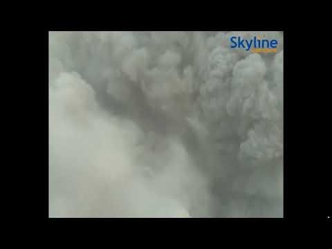 😱 Volcano Stromboli's Explosion 💥