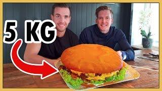 Besöker gatuköket som serverar Sveriges STÖRSTA hamburgare!