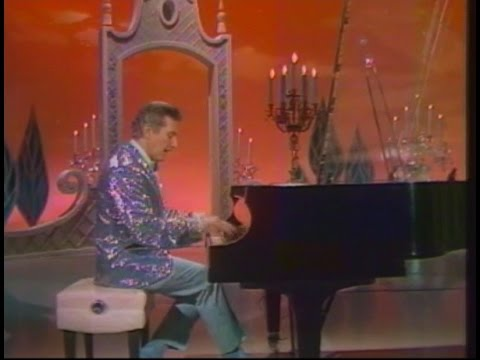 Liberace At The Hollywood Palace