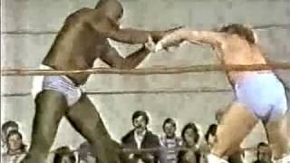 Young Ricky Morton vs Sonny King (4-26-80) Classic CWA Memphis Wrestling Match