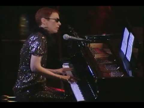 Annie Lennox - Why (Live At The Arista Records 25th Anniversary Celebration)