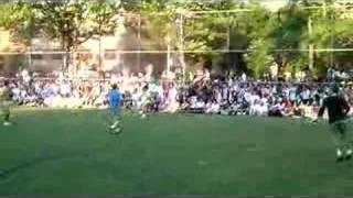 Steve Nash vs Claudio Reyna Pickup Game, NYC (VANITY FAIR) 2