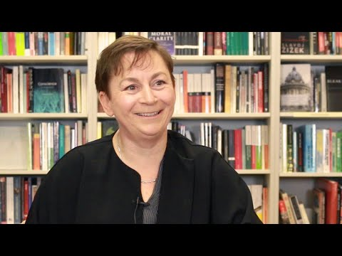 Anne Enright on The Green Road, short stories and what men ask her at dinner parties.