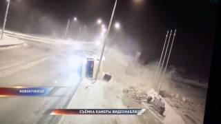 """На """"Проклятом месте"""" в Новокузнецке перевернулась фура"""