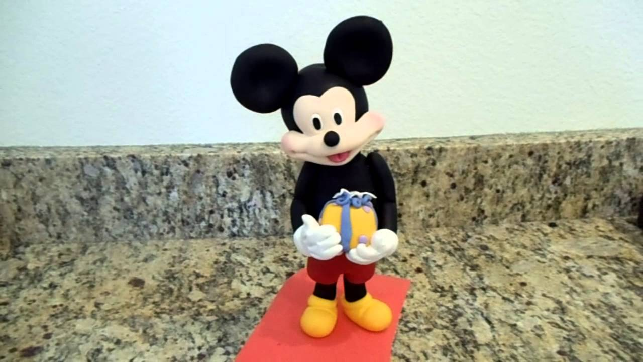 How Make A Mickey Mouse Cake