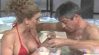 Niurka Marcos MUY atrevida en la Tina con Rodolfo Arias
