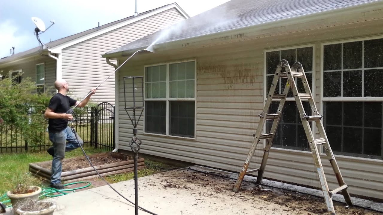 House Power Washing Gutter Black Streaks Siding Youtube