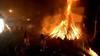 Пляски и горящие мётлы  в Испании отметили День непорочного зачатия
