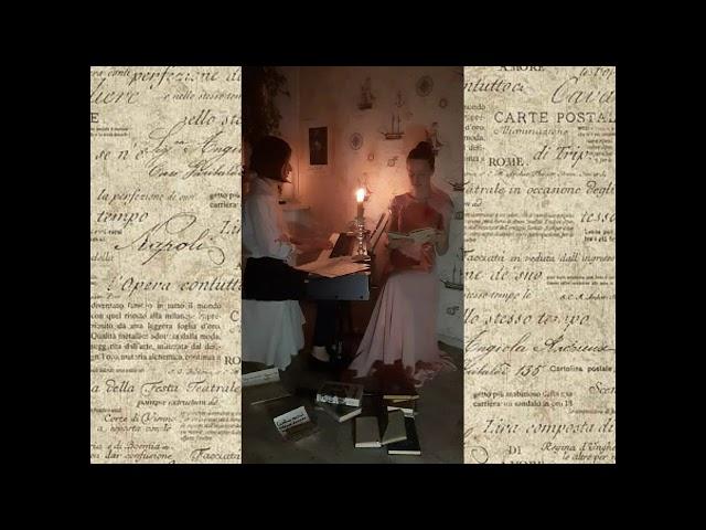 Изображение предпросмотра прочтения – «Дуэт Осень» читают произведение «Так будет...» М.И.Цветаевой