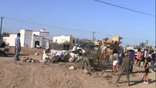 LAS CHICAS DE LAS ZAPATILLAS EN BICICLETAS EN LIMPIEZA DEL BORDO DEL BELLAVISTA LA PAZ B.C.S