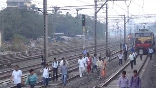 Rarest Of Rare - 5 Major Express Trains taken on same Track at less than 20 Metres from each other