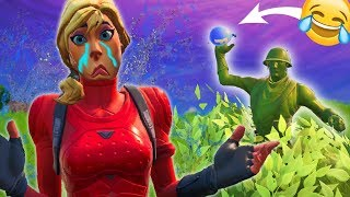 TROLLING PEOPLE BY LAUNCHING WATER GLOBES! 😂 ne VIENNENT pas À MOI! Xdd Moments drôles Fortnite