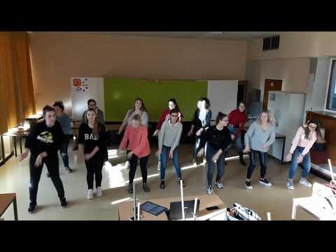 Danse Folklorique - J&39;entends le loup le renard et la belette