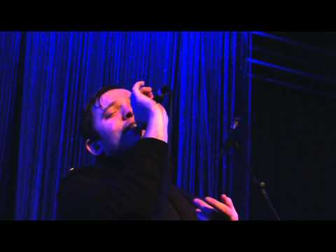 Everything Everything - Radiant (Milan, Tunnel, March 6th 2013)