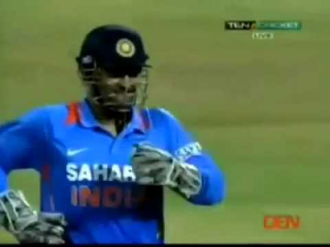 Dhoni imitates Manoj Tiwary Funny