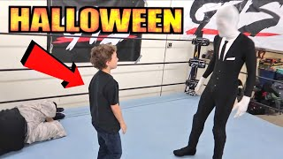 Birthday Boy Vs Slender Man at Halloween Party! A Real Party for Real Fan