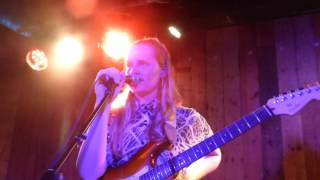 Скачать Charlotte Day Wilson Work Old Skool Love Divine Brown Cover HD The Waiting Room 07 03 17