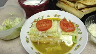 Tacos Dorados de Pollo Estilo Guerrero o Flautas Ahogadas