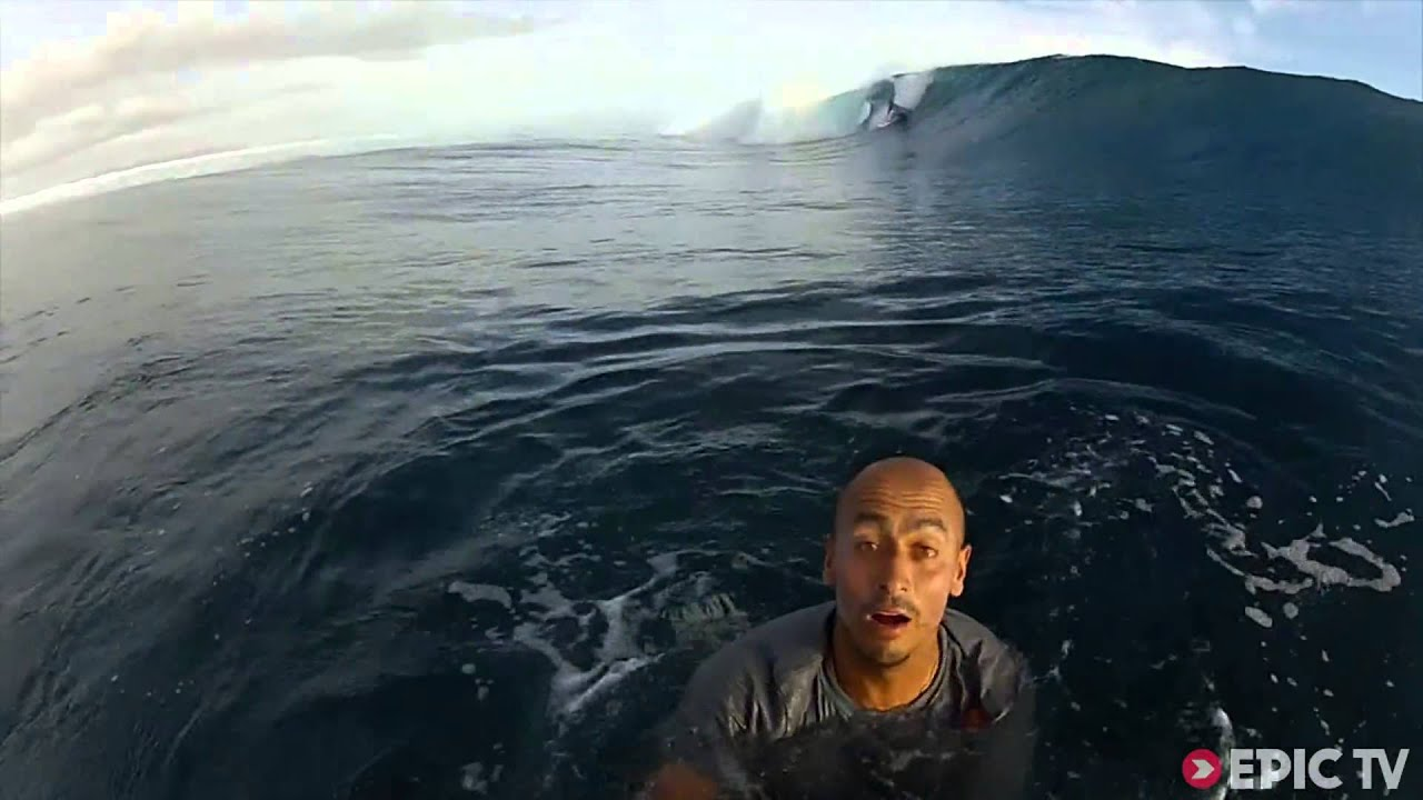 Surfing the wave of his life in Fiji I Los Buscagigantes with Ramon Navarro, Ep. 1