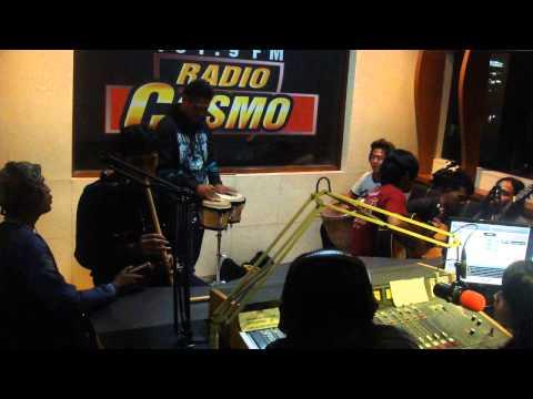sunDAMAIka vespa ku_akustik live slanker reggae @radio cosmo fm bandung