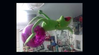 kermit the frog jumps off building