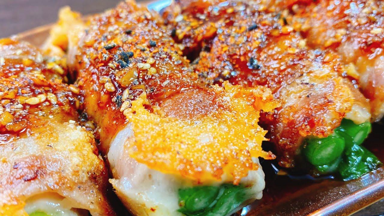 【絶品おつまみ】ただ巻いて焼くだけで超旨い!ご飯とお酒が鬼すすむ♪『葱とニンニクの芽のカリカリ豚チーズ巻き』Pork Cheese Garlic scape roll【晩御飯/低糖質/やみつきレシピ】