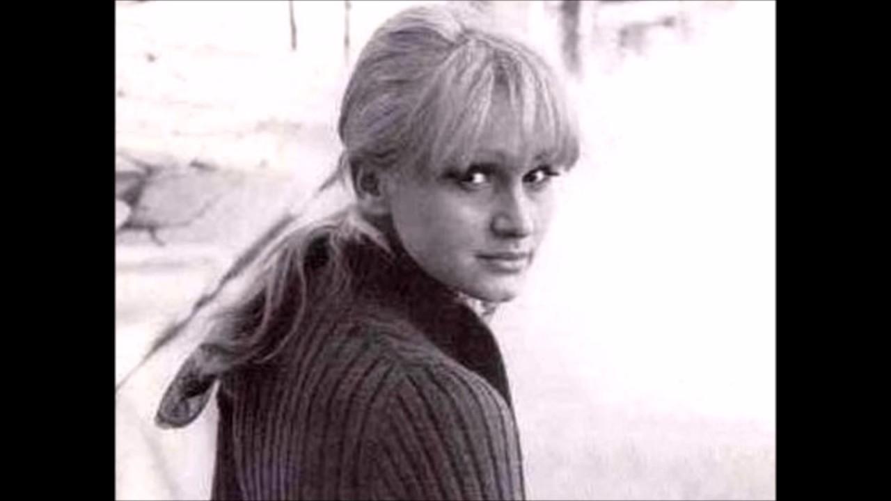 Madeleine Mantock,Alex Gonzaga (b. 1988) Hot tube Helen Westley,Renee Gadd