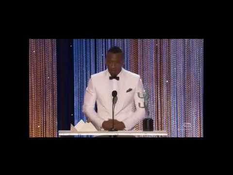 """Mahershala Ali Gives Emotional SAG Speech: """"When You Persecute People, They Fold Into Themselves"""""""