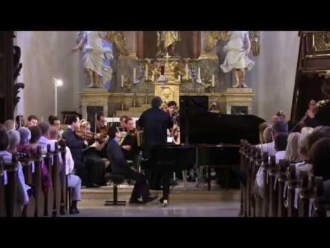 Mozart  Piano Concerto No. 25  Nicholas Young