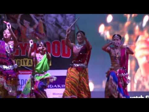 Dandiya dance performance on Dholida Dhol...