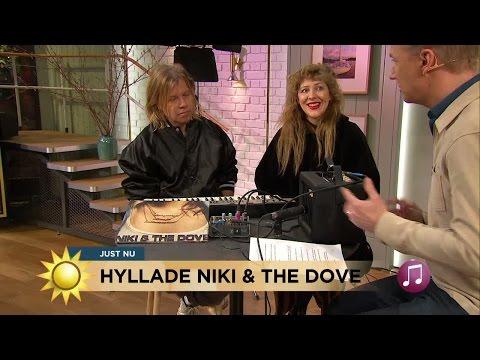 """Niki and the Dove: """"Det är viktigt att göra det man känner inuti"""" - Nyhetsmorgon (TV4)"""