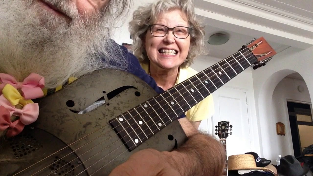 slide guitar lesson in open d messiahsez shows how to play blues bo diddley beat guitar. Black Bedroom Furniture Sets. Home Design Ideas