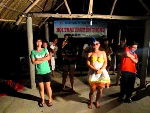 Múa dân vũ Chicken Dance - Tiểu trại 2