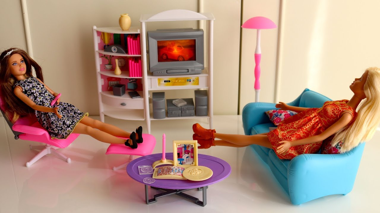 Barbie family room tv room dreamhouse dollhouse furniture pink bedroom barbie doll evening routine