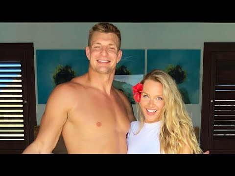 "Antonio Brown GOES NUTS On Girlfriend Chelsie ""NO MORE WHITE WOMEN IN 2020, You Just Baby Mama #3"" from YouTube · Duration:  2 minutes 58 seconds"