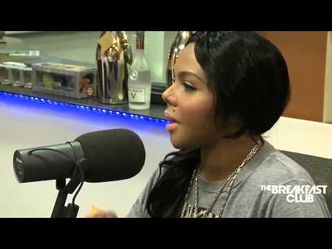 Lil Kim Disses Nicki Minaj, Beyonce, Iggy Azalea, Miley Cyrus, Notorious B.I.G, K. Michelle & T.I.