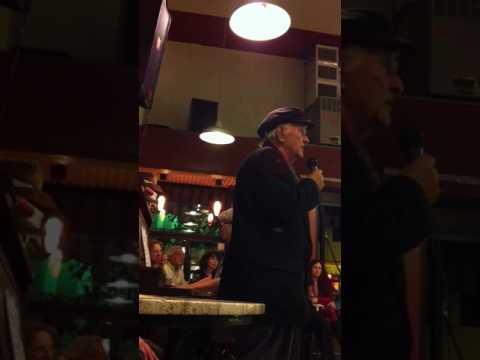 Roberto Traina at Cafe Mediterraneum Tango singing Caminito