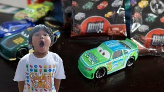 Disney Cars 3 Toys Diecast BOBBY ROADTESTA Carbon Cyber Racer & Wave 4 Mini Racers TOY REVIEW