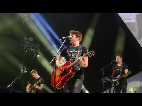 James Blunt - Someone Singing Along live Berlin Mercedes Benz Arena 16.10.17