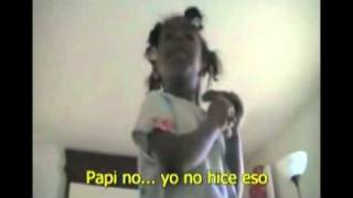Repeat youtube video Video de niña que espió a sus padres arrasa en la web