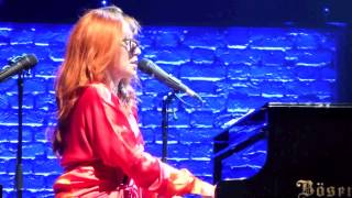 Tori Amos, 16 Shades of Blue, Sunday 11th May, Manchester Apollo