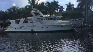 Cross tying 82' yacht to get ready for Irma lovethatyacht.com