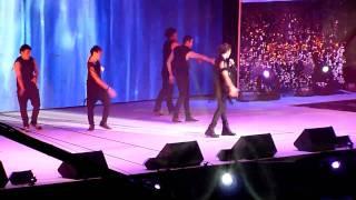 Derrick Hoh 何維健 singing Live - 當我知道你們相愛 + 愛的故事