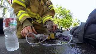 Пожарник спас котёнка :) Epic!
