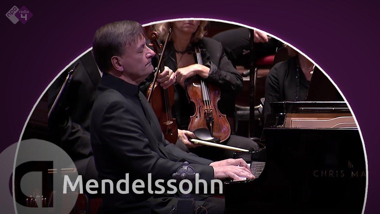 Artwork representing Stephen Hough: Mendelssohn Piano Concerto No. 1 (Netherlands Radio Philharmonic Orchestra, cond. David Robertson)