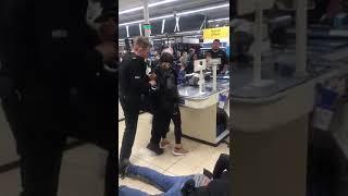 Police officer attacks civilians 02