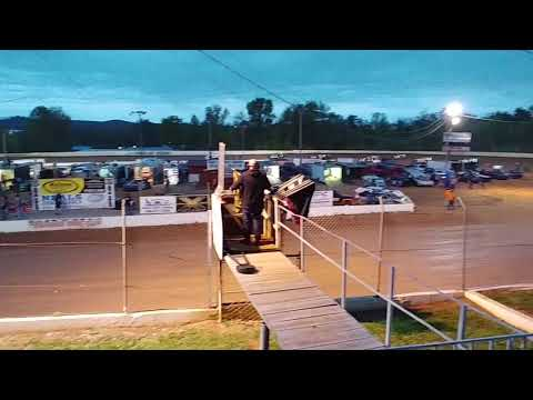 Lake Cumberland Speedway 4/27/19 first heat 5 laps then rain delay