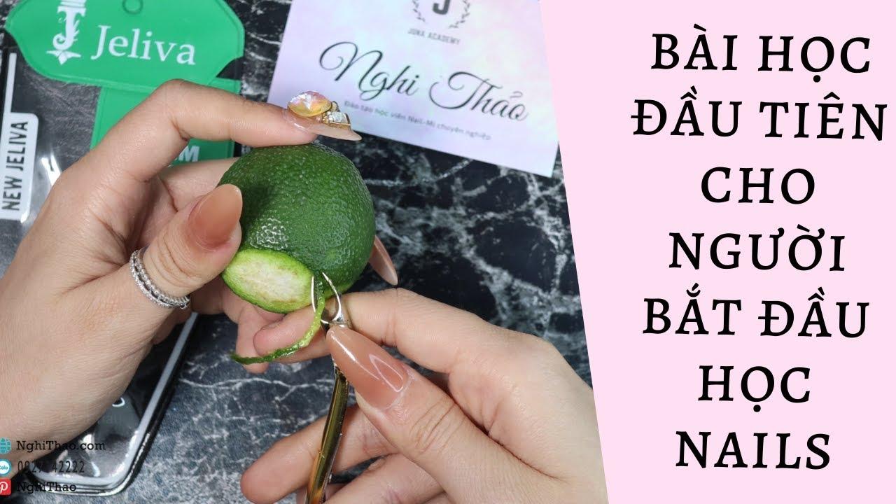 Học nail cho người mới bắt đầu – cách cầm kìm và nhặt da trên quả chanh